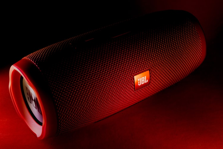 Top 10 Best JBL link 20 speakers in 2021