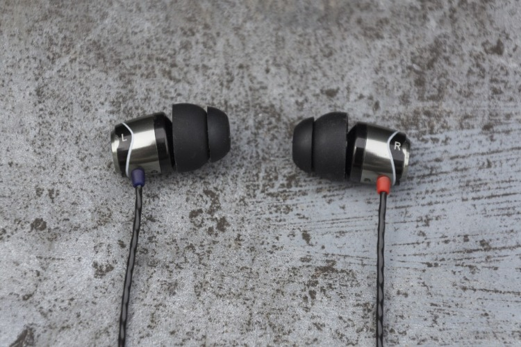 SoundMAGIC E10 Review