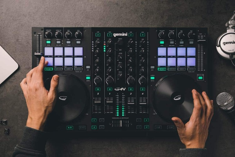 Top 10 Rekordbox DJ Controllers in 2021