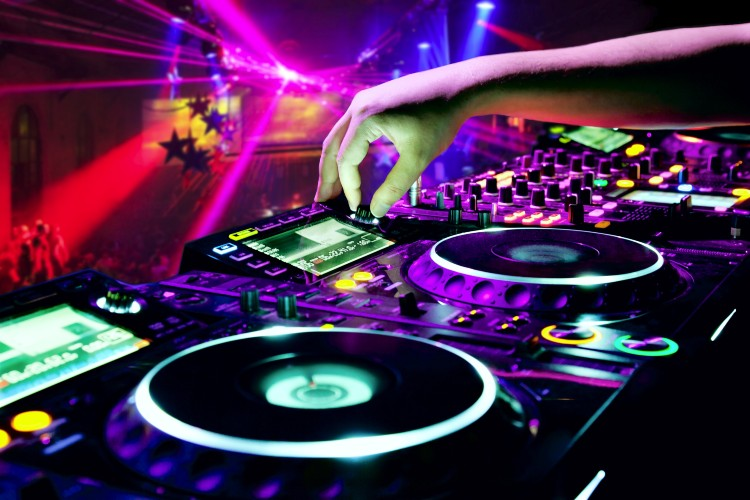 Top 10 DJ CD Decks in 2021