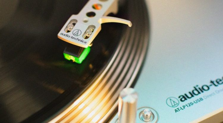 How do You Know When to Change the Turntable Cartridge?