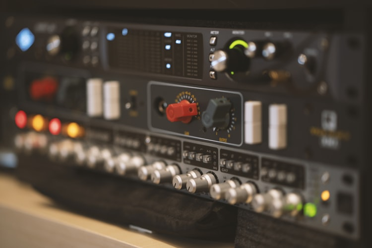 Top 10 Budget Stereo Amplifier in 2021